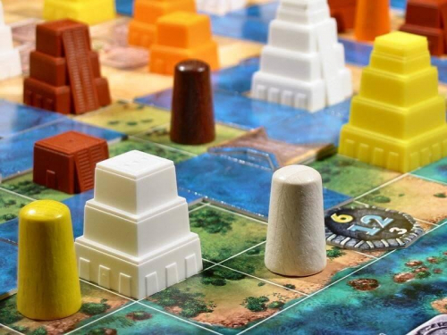 Mexicat ja pyramidit. Kuva: Gary James / BGG
