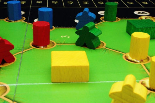 Vihreä ja sininen druidi tarkkailevat tilannetta. Kuva: Mikko Saari