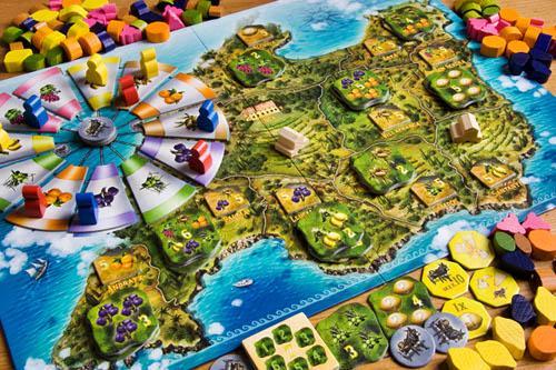 Finca on näyttävästi tuotettu peli, jota on ilo katsella. Kuva: Gary James / BGG