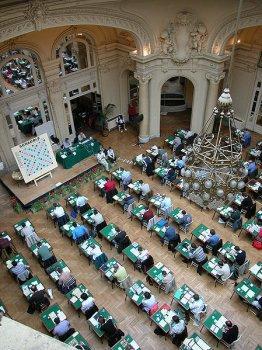 Ranskalaista duplikaatti-Scrabblea. Kuva: Fédération Française de Scrabble