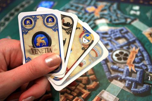 Rialton kortteja. Kuva: Henk Rolleman / BGG