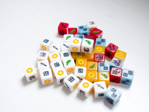 Nations: The Dice Gamen nopat. Kuva: Mikko Saari